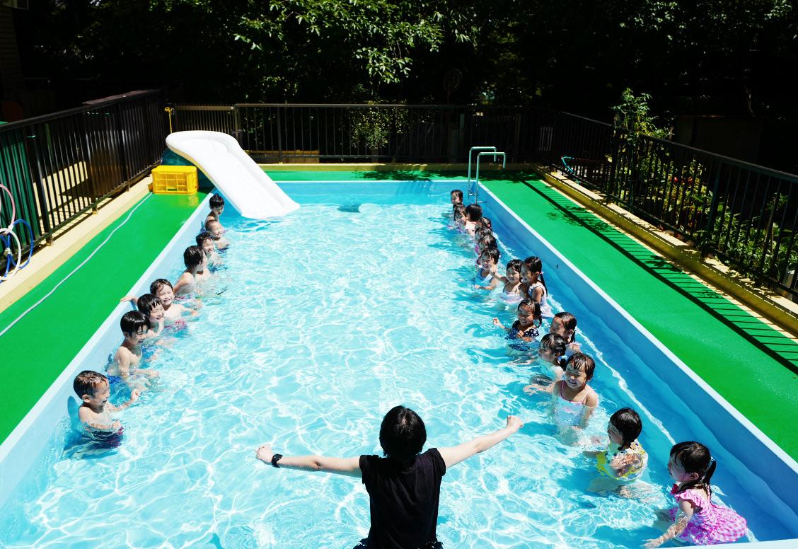 プールの画像01